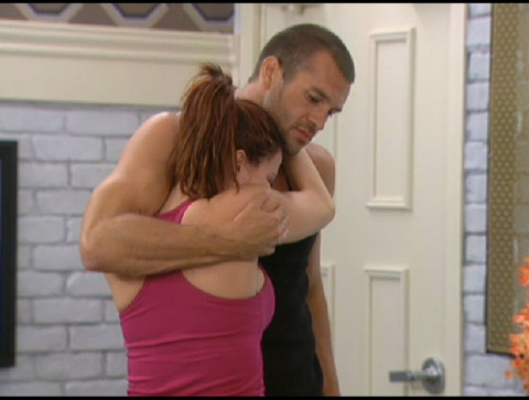 Big Brother 13 Brenchel – hugs not drugs
