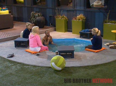 Big Brother 14 20120713 – Hot tub talk