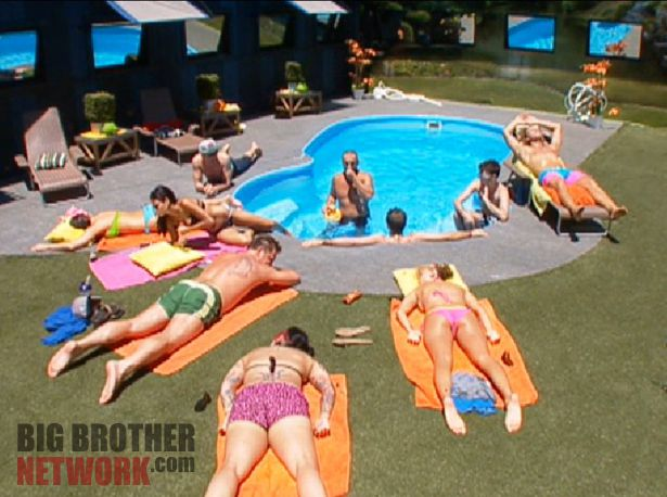 Big Brother 14 20120714 – group pool