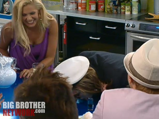 Big Brother 14 20120728 party – Wil drinking