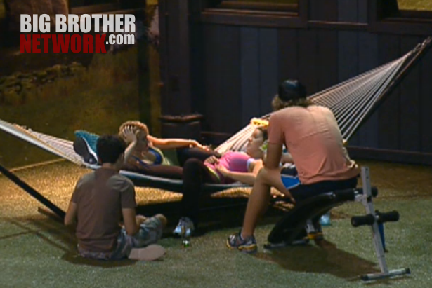 BB14-Live-Feeds-08-13-hammock