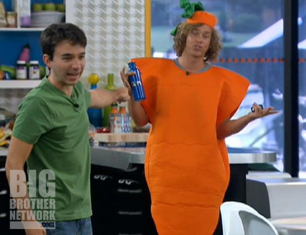 Ian and Frank fighting after the Veto on Big Brother 14