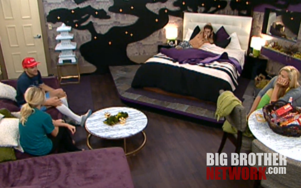 bb14-live-feeds-8-5-coaches