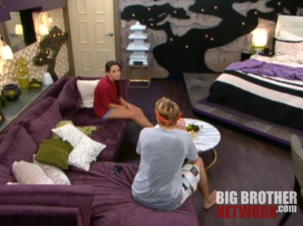 Big Brother 14 – Boogie pitches his plan to Danielle