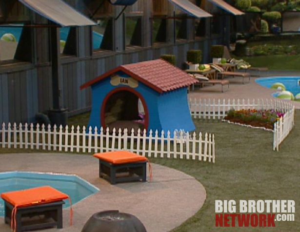 Ian's dog house – Big Brother 14