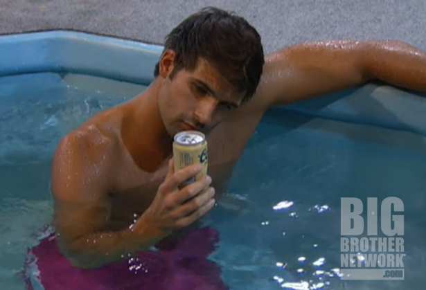 BB14-Live-Feeds-09-03-shane-hot-tub