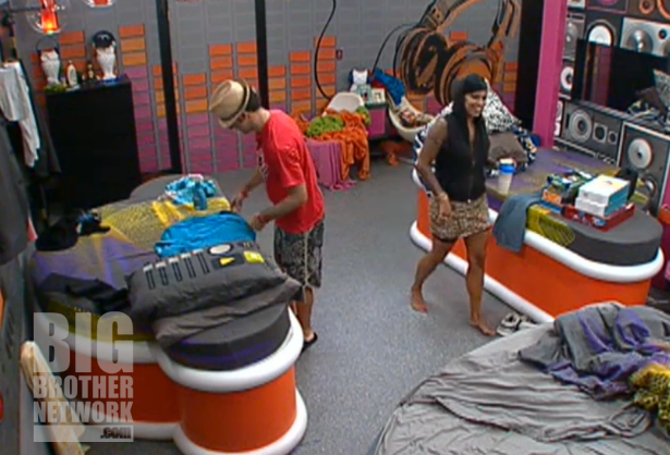 BB14-Live-Feeds-09-09-Jenn-Dan