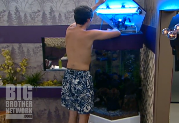 BB14-Live-Feeds-09-10-Ian-fish