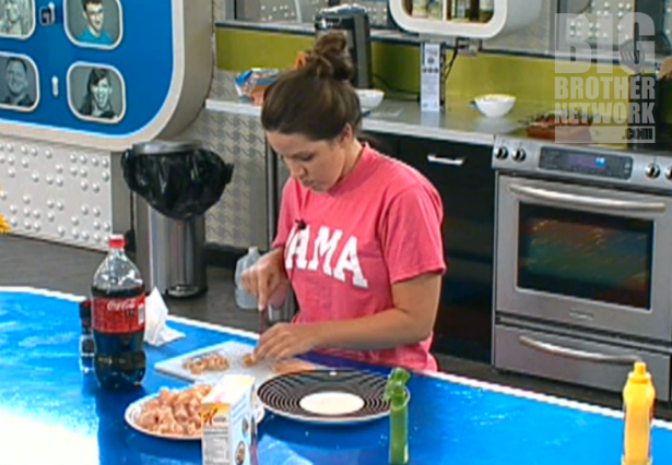 BB14-Live-Feeds-09-18-Danielle-cooking