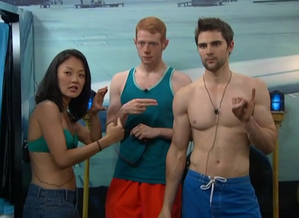 BB15-live-feeds628-photobooth