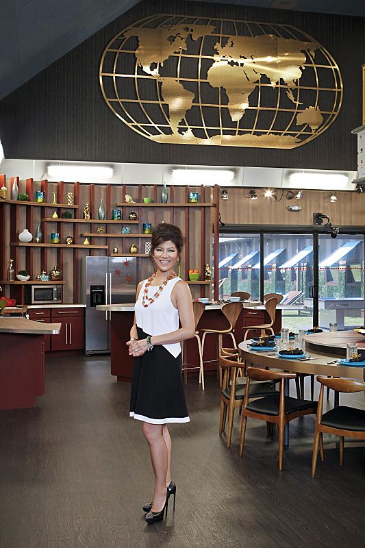 BIG BROTHER 15 – Julie Chen in the dining room