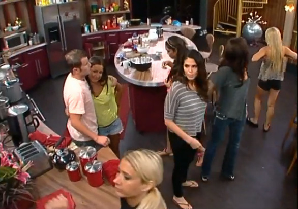 BB15-Live-Feeds-0705-9