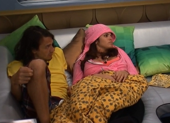 BB15-Live-Feeds-0710-9