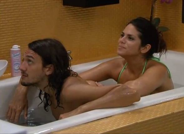 BB15-Live-Feeds-0722-night-6