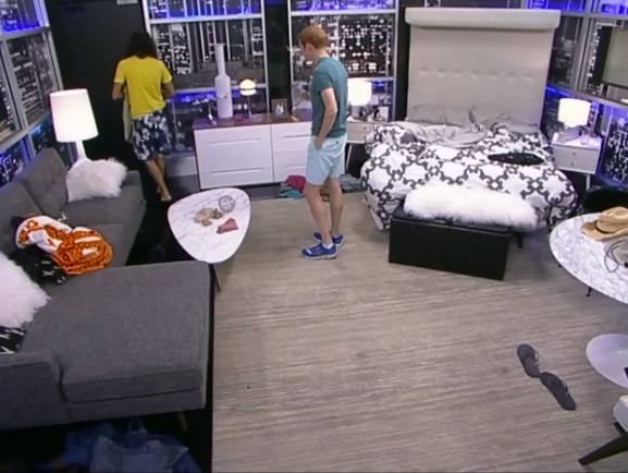 BB15-Live-Feeds-0724-day-6