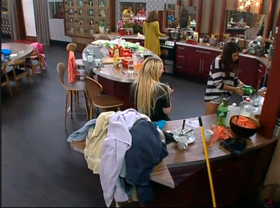 BB15-Live-Feeds-0724-night-1