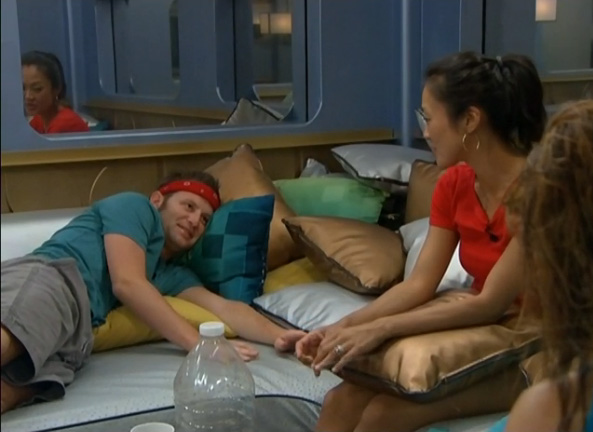 BB15-Live-Feeds-0730-night-3