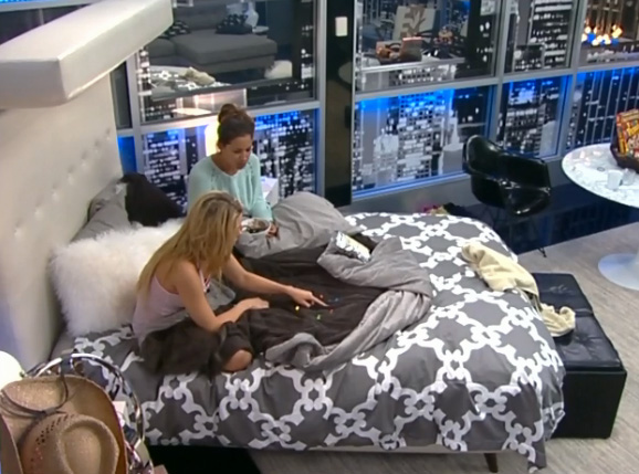 BB15-Live-Feeds-0730-night-4