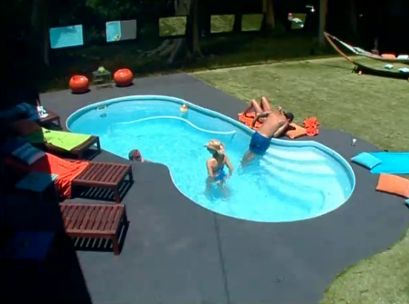 BB15-Live-feeds-0716-day-4