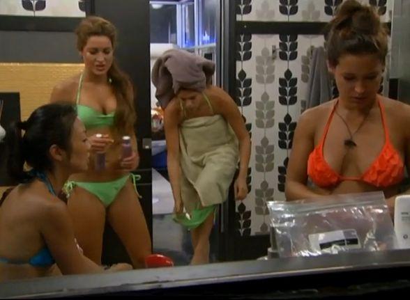 HGs in HN bikinis
