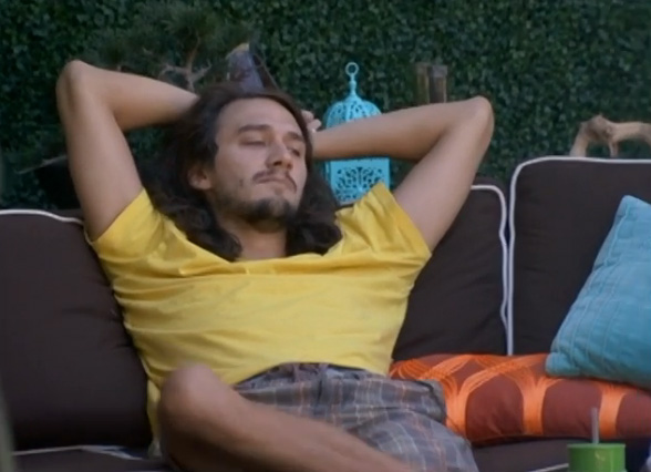 BB-15-Live-Feeds-0825-2
