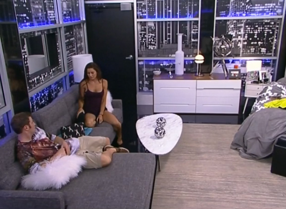 BB-15-Live-Feeds-0825-4