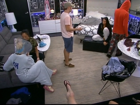 BB15-Live-Feeds-0804-1