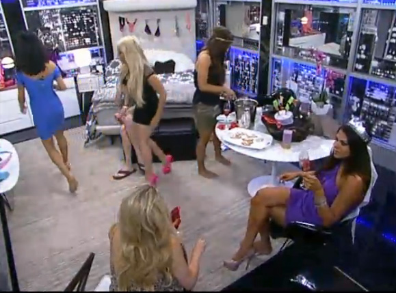 BB15-Live-Feeds-0806-1