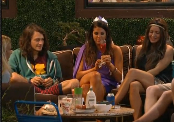 BB15-Live-Feeds-0806-5