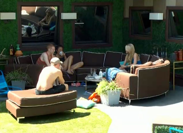BB15-Live-Feeds-0807-4