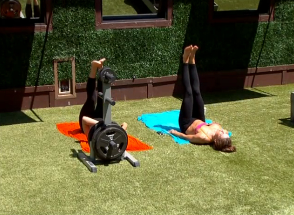 BB15-Live-Feeds-0812-day-4