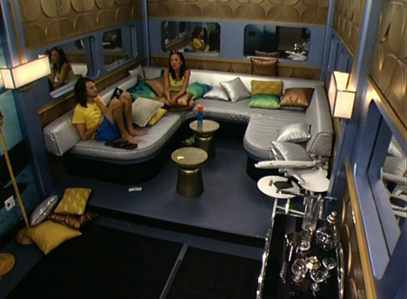 BB15-Live-Feeds-0819-night-4