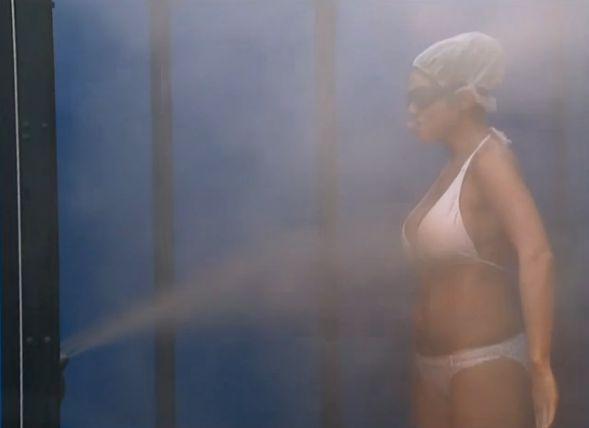Amanda gets a spray tan