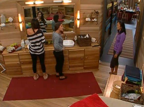 Jessie and Helen argue 02