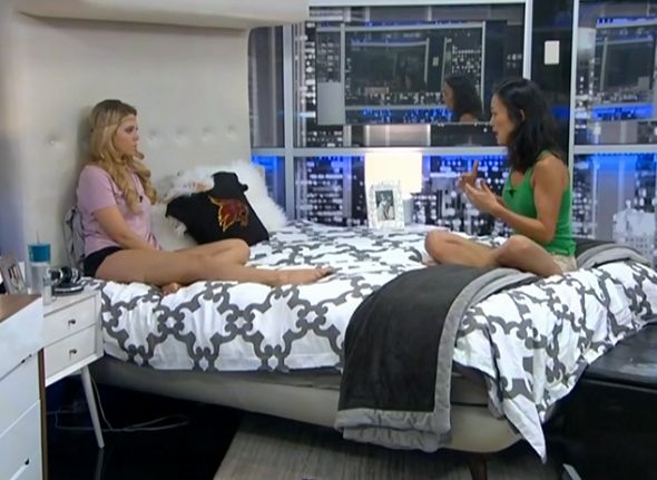 Aaryn and Helen talk