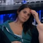 Amanda stressing a renom