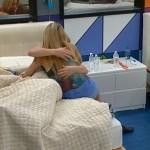 Judd and Aaryn kiss 03
