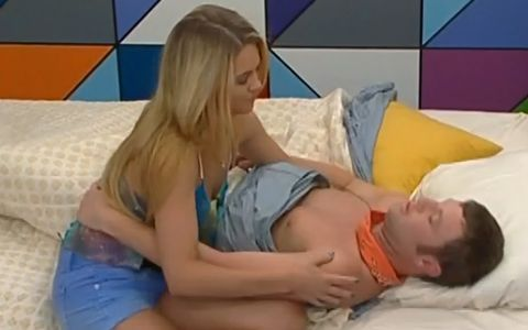 Judd and Aaryn kiss