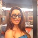 Elissa shows off her new glasses