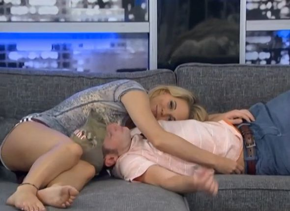 Aaryn flirts with Judd 04