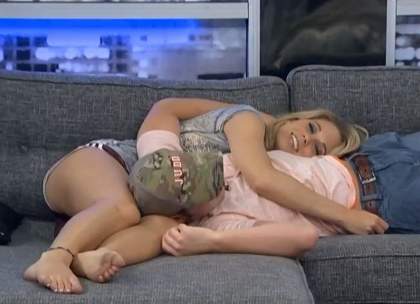 Aaryn flirts with Judd 05