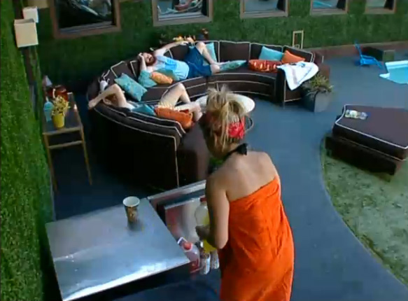 BB15-Live-Feeds-0915-6