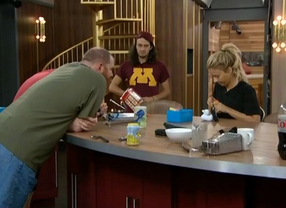 HGs do arts & crafts