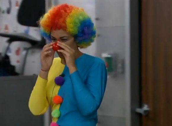 Candice as a clown 02
