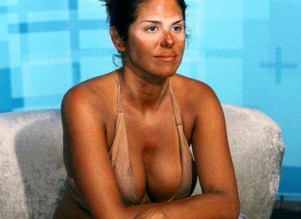 Amanda gets a tan 01