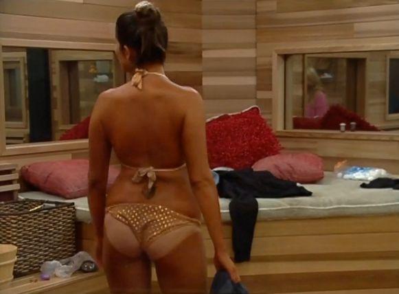 Amanda gets a tan 02