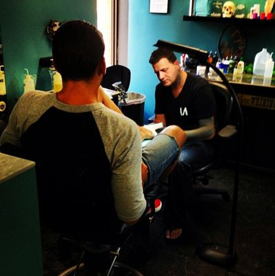Jeremy gets his BB15 tattoo
