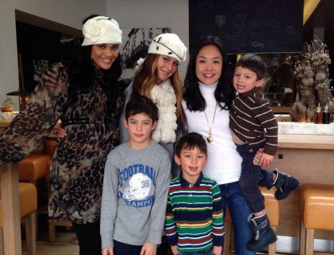 Candice, Elissa, Helen, & kids