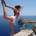 Elissa Slater - Yoga pose 01