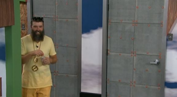 bb16-20140627-1616-donny-veto-win